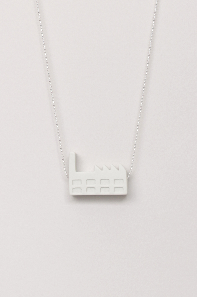 Dutchhouses-Necklace-Factory-White-JennaPostma