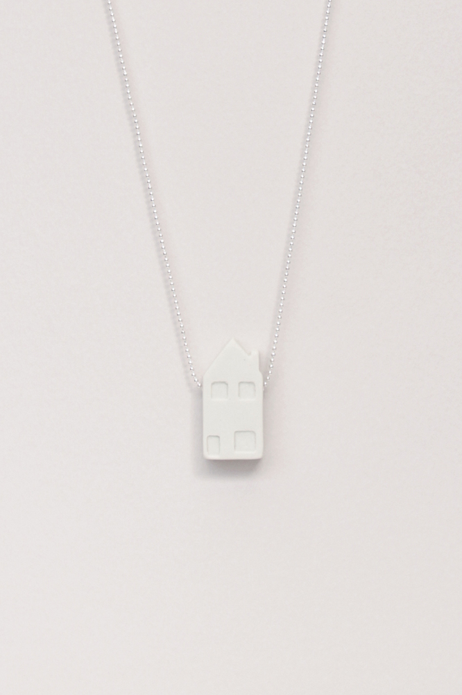 Dutchhouses-Necklace-Familyhouse-White-JennaPostma